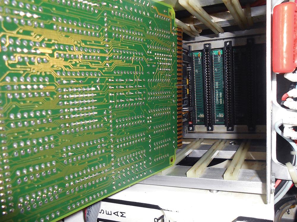 Dry Ice Blasting av produksjonsutstyr : Datamaskin : Mintie