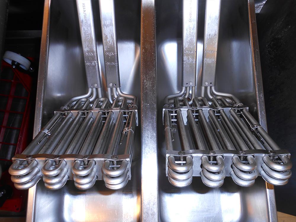 Dry Ice Blasting av produksjonsutstyr : Frityrelementer : Mintie